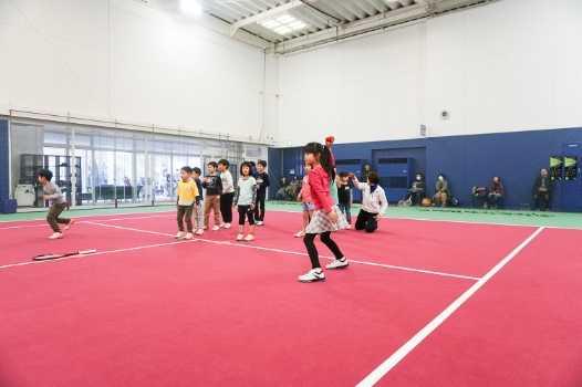 運動、勉強、判断力…テニスは様々な能力を養います
